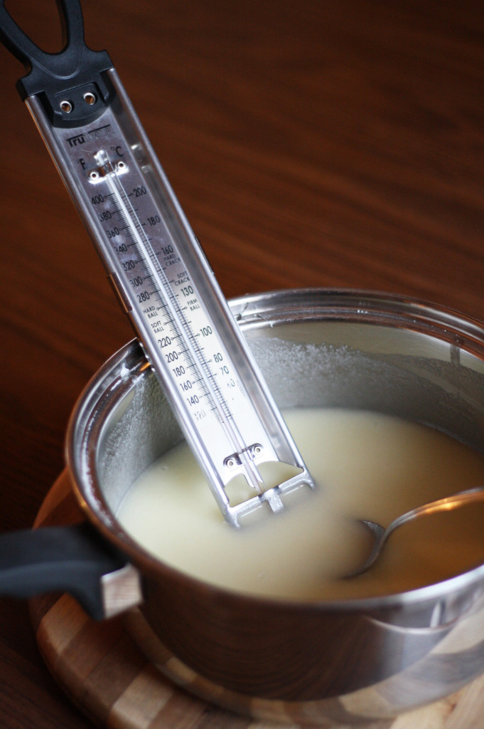 putting in thermometer in fudge