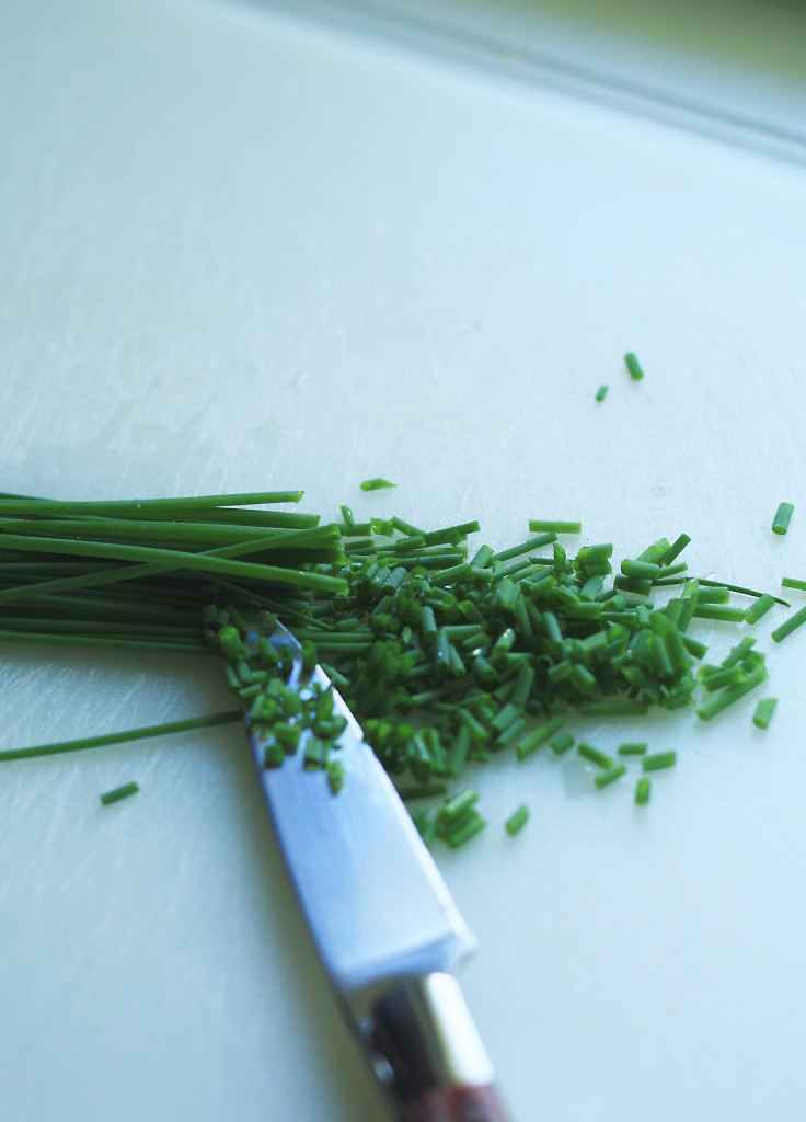 minced chives